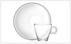 Wij bedrukken glazen theekopjes, dubbelwandige glazen, latte glazen, espresso glazen, cappuccino glazen en kop en schotels van glas met uw eigen opdruk.